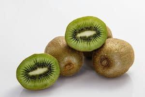 Kiwi eten voor een goede nachtrust