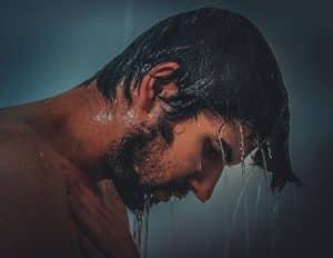 Afkoelen met een koude douche