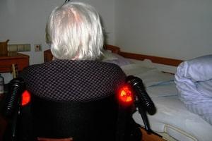 Vrouw in een verzorgingshuis