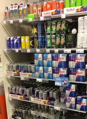 Energiedrankjes in de supermarkt