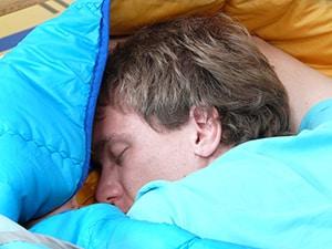 Beter slapen in een slaapzak