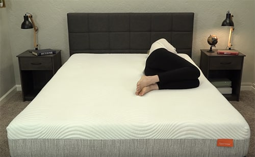 Zijslapen op een traagschuim matras