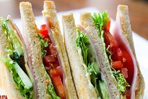 Club sandwich lunch slaperigheid