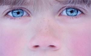 Lichte blauwe ogen