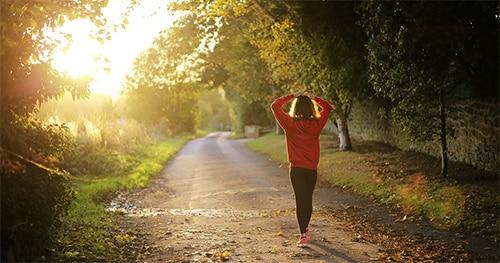 Wandelen in de ochtend voor meer vitamine A