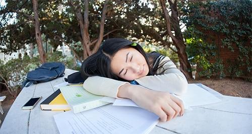 Wat is idiopatische hypersomnie?