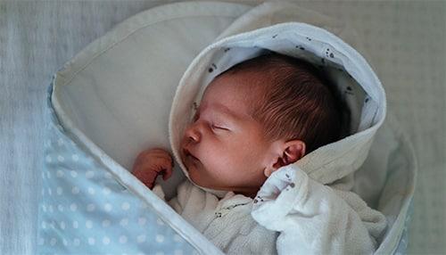 Misverstanden die ouders hebben over de slaap van hun baby!