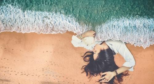 Slapen op het strand