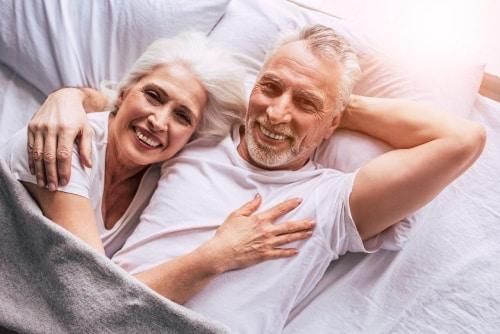 Ouder paar in bed